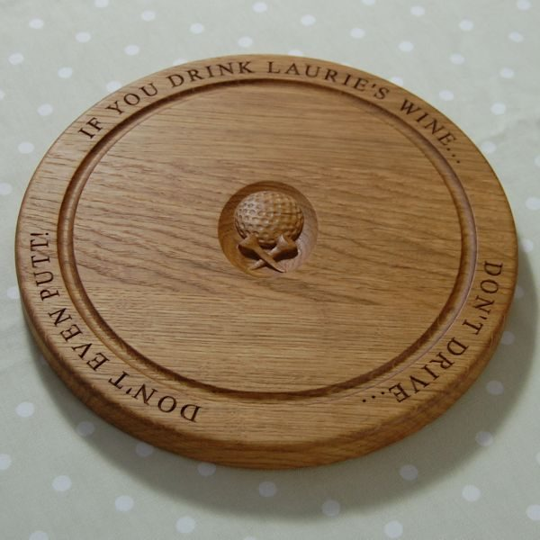 Circular chopping board, 30 dia x 2.7cm, font Times New Roman, golf ball & tees 3D motif