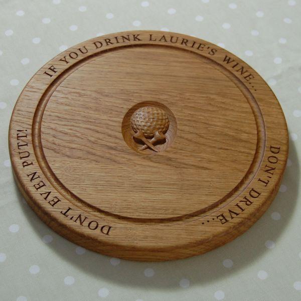 Circular chopping board, 30 dia x 2.7cm, font Times New Roman, golf ball & tees 3D motif