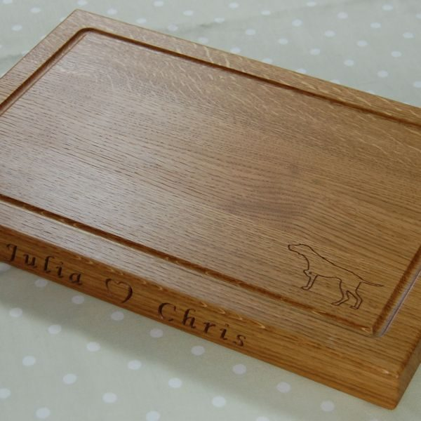 Personalised wooden chopping board, size 30x45x4cm, font Art Script, pointer dog 2D motif