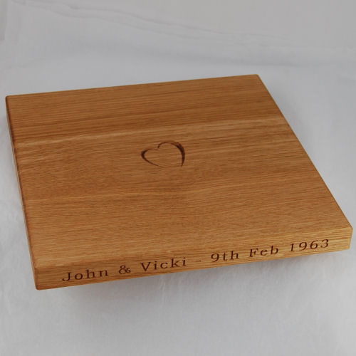 Personalised wooden chopping board, size: 30x30x2.7cm, font: Bookman Old Style