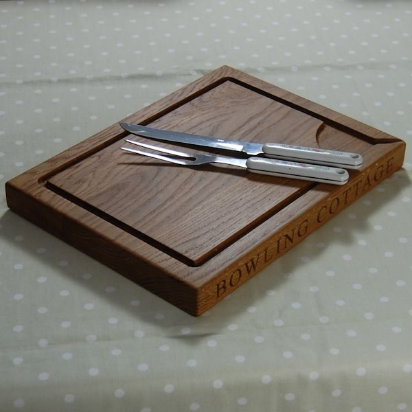 Personalise carving board, size 30x45x4cm, font Times New Roman