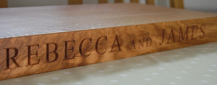 Personalised rustic oak serving board, font Times New Roman