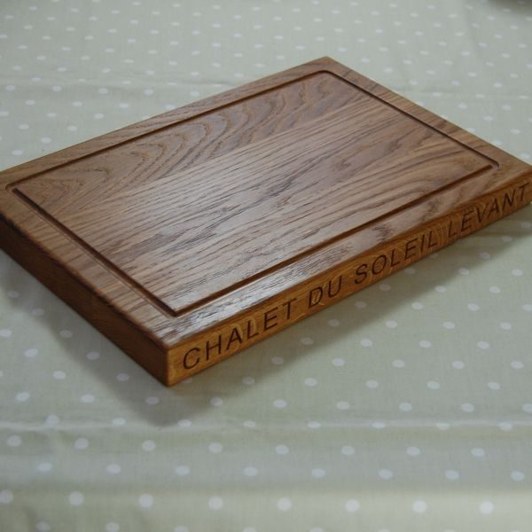 Personalised wooden chopping board, size 30x45x4cm, font Arial