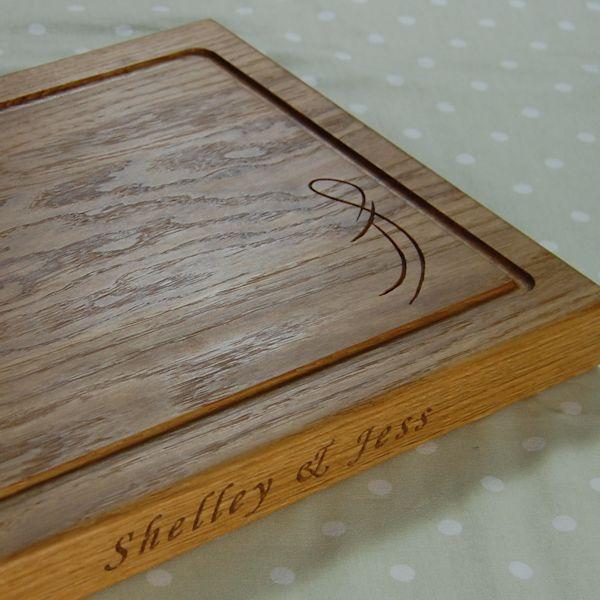 Personalised oak chopping board, size 30x40x4cm, font Art Script