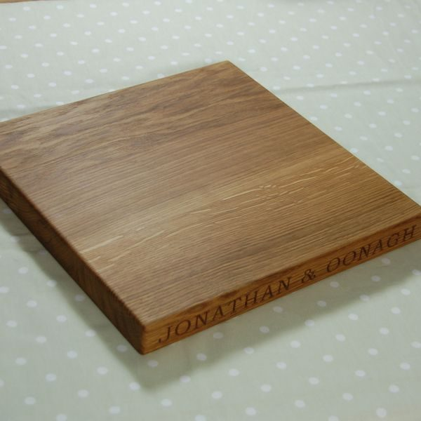 Personalised oak chopping board, size 38x38x4cm, font Bookman Old Style