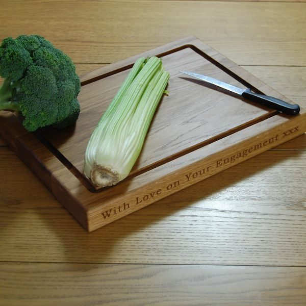 Personalised chopping board, size 30x40x4cm, font Bookman Old Style