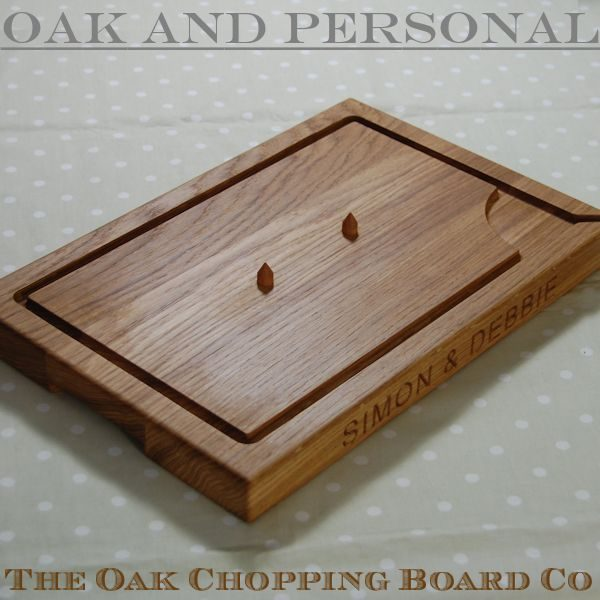 Personalised wooden carving board with spikes, size 30x45x4cm, font Arial