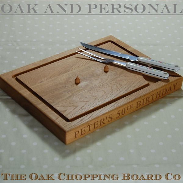 Personalised wooden carving board with spikes, size 30x40x4cm, font Times New Roman