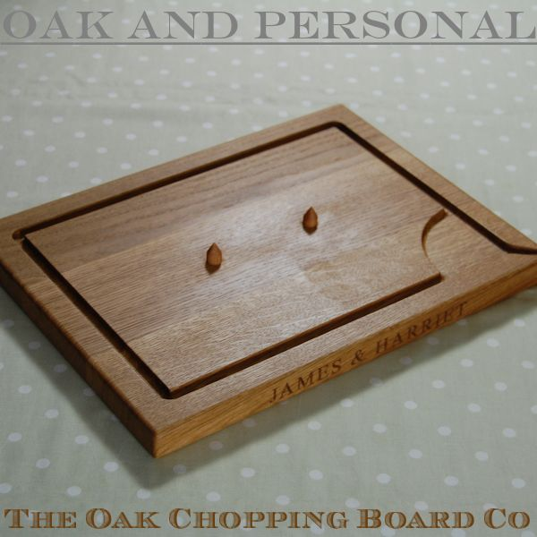 Personalised wooden carving board with spikes, size 30x40x2.7cm, font Times New Roman