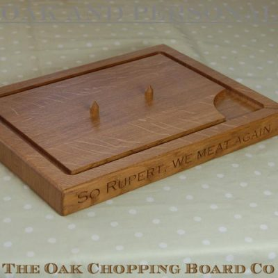 Personalised carving board with spikes, size 30x40x4cm, font Copperplate Gothic
