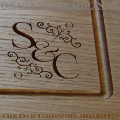 Personalised motif design on chopping board