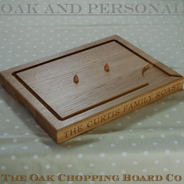 Personalised carving board with spikes, size 30x40x4cm, font Bookman Old Style