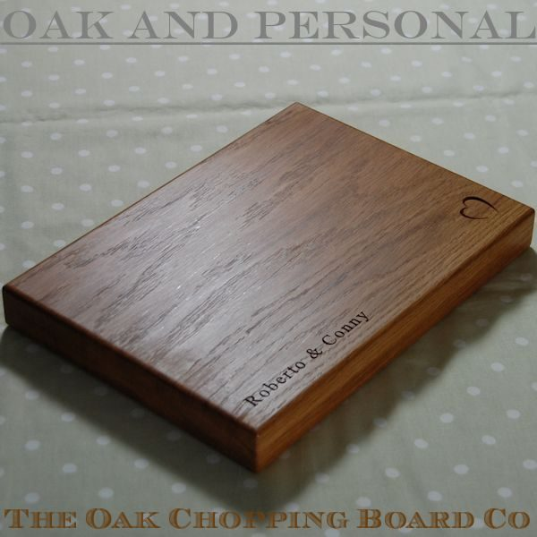 Personalised wooden cheese board, size 25x35x4cm, font Times New Roman