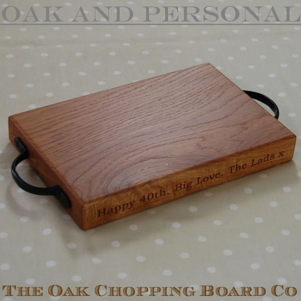 Personalised rustic cheese board, size 20x30x4cm, font Bookman Old Style
