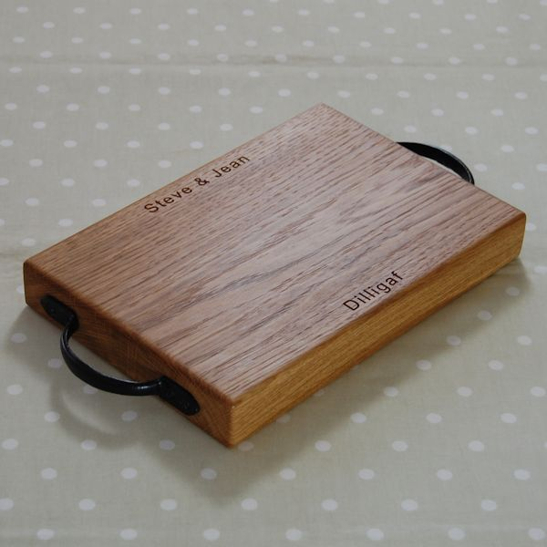 Personalised rustic wooden cheese board, size 20x30x4cm, font Arial