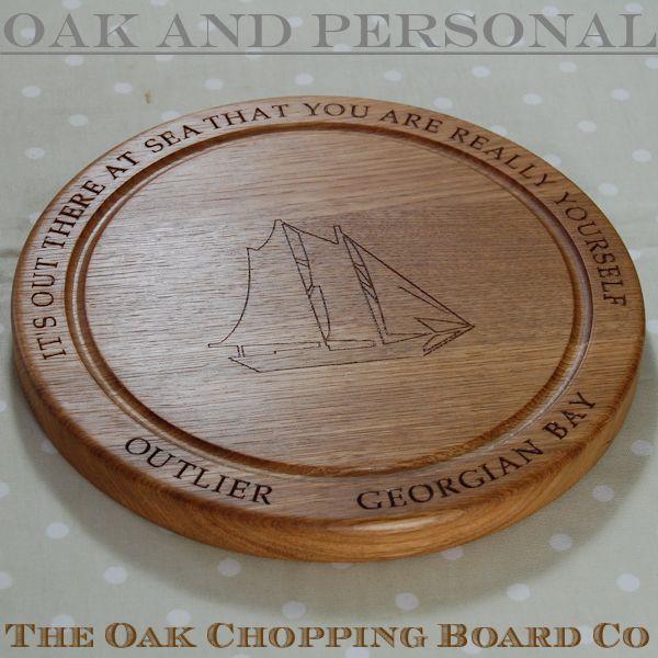 Personalised wooden bread board, size 30 dia x 2.7cm, font Book Antiqua