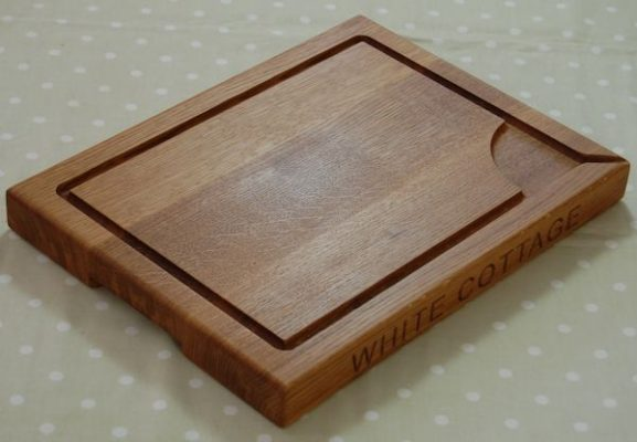 Personalised wooden carving board, size 30x40x4cm, font Arial