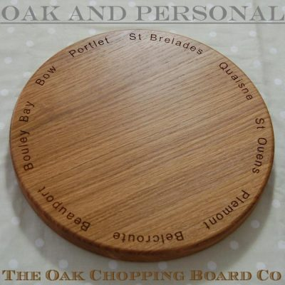 Personalised wooden cheese board, size 30cm dia 2.7cm, font Arial
