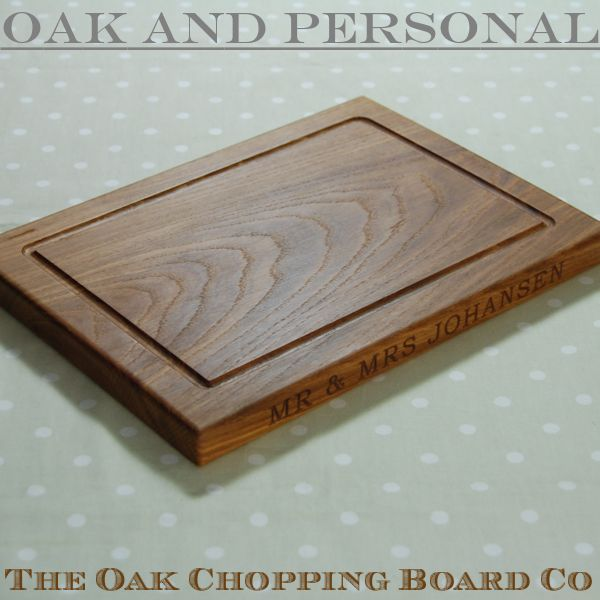 Personalised wooden chopping board, size 25x35x2.7cm, font Bookman Old Style