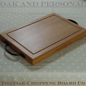 Rustic wooden chopping board, size 30x45x4cm, font Times New Roman